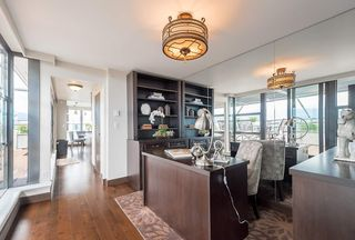 """Photo 4: 2506 1723 ALBERNI Street in Vancouver: West End VW Condo for sale in """"THE PARK"""" (Vancouver West)  : MLS®# R2106181"""