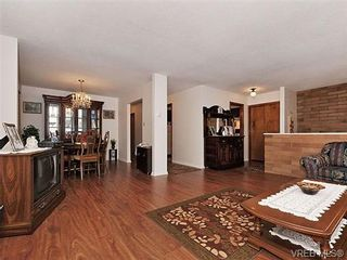 Photo 4: 970 Haslam Ave in VICTORIA: La Glen Lake House for sale (Langford)  : MLS®# 655387