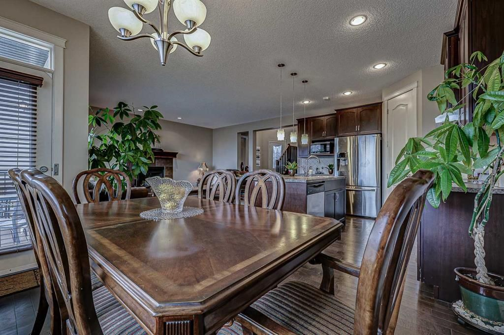 Photo 11: Photos: 200 EVERBROOK Drive SW in Calgary: Evergreen Detached for sale : MLS®# A1102109