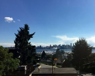 """Photo 1: 307 212 FORBES Avenue in North Vancouver: Lower Lonsdale Condo for sale in """"Forbes Manour"""" : MLS®# R2082252"""