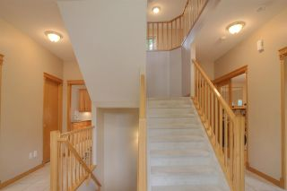 Photo 10: 8709 102 Avenue in Edmonton: Zone 13 House for sale : MLS®# E4176986