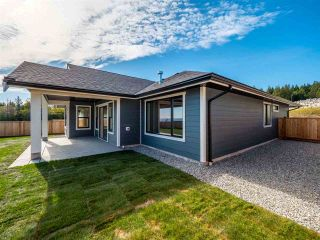 """Photo 2: 5638 KINGBIRD Crescent in Sechelt: Sechelt District House for sale in """"SilverStone Heights Phase2"""" (Sunshine Coast)  : MLS®# R2466064"""