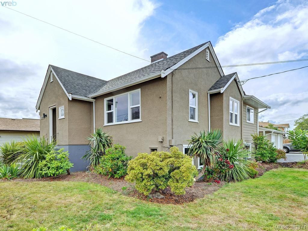 Main Photo: 4298 Glanford Ave in VICTORIA: SW Northridge House for sale (Saanich West)  : MLS®# 770521