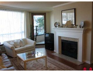 """Photo 4: 310 15111 RUSSELL Avenue in White_Rock: White Rock Condo for sale in """"Pacific Terrace"""" (South Surrey White Rock)  : MLS®# F2811011"""