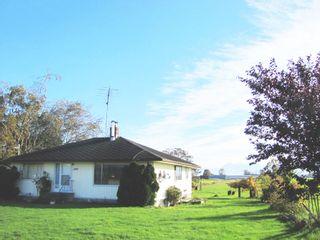 Photo 3: 8562 GLEDHILL Road in Mission: Dewdney Deroche House for sale : MLS®# R2116870