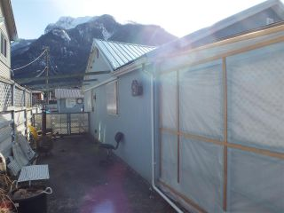 Photo 4: 458 COQUIHALLA Street in Hope: Hope Center House for sale : MLS®# R2544491