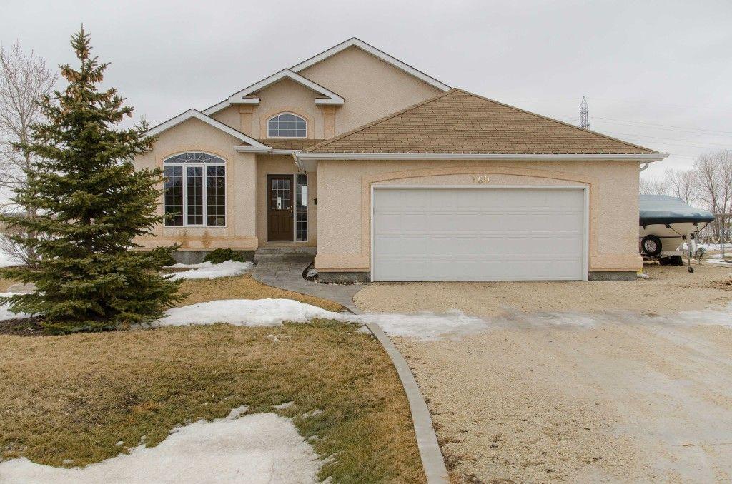 Main Photo: 160 Elm Drive in Oakbank: Single Family Detached for sale : MLS®# 1505471