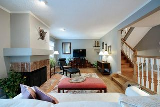 Photo 2: 30 448 Strathcona Drive SW in Calgary: Strathcona Park Row/Townhouse for sale : MLS®# A1062662