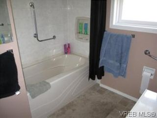 Photo 10: 7990 East Saanich Rd in SAANICHTON: CS Saanichton House for sale (Central Saanich)  : MLS®# 511308