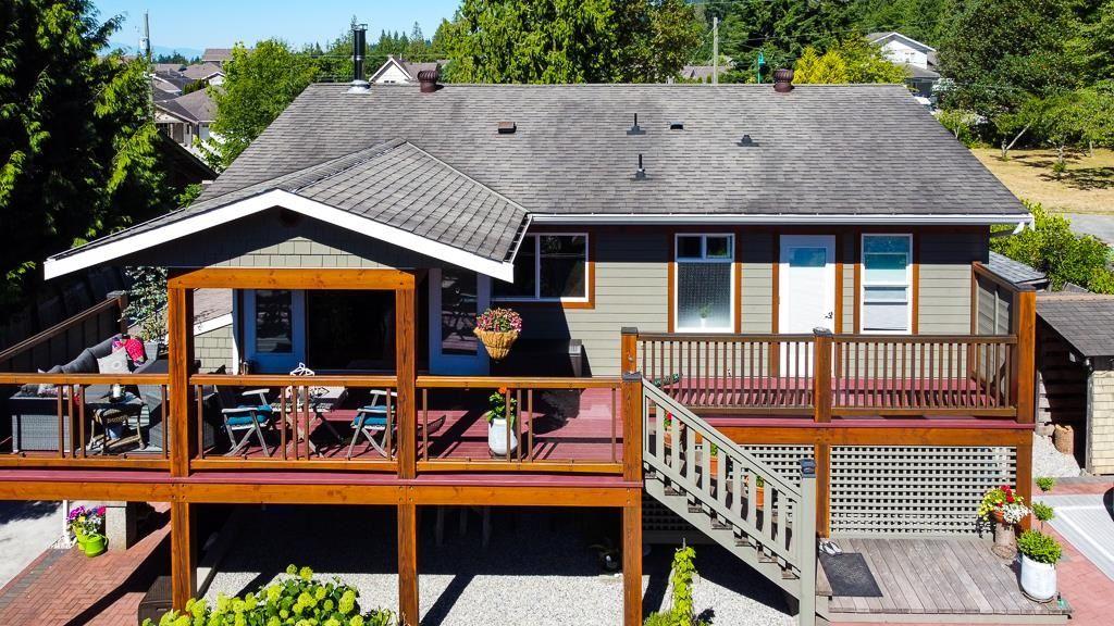 Photo 4: Photos: 5740 NICKERSON Road in Sechelt: Sechelt District House for sale (Sunshine Coast)  : MLS®# R2597486