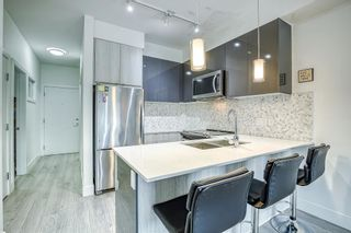 """Photo 10: 205 6468 195A Street in Surrey: Clayton Condo for sale in """"Yale Bloc Building 1"""" (Cloverdale)  : MLS®# R2456985"""