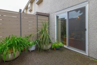 Photo 3: 1533 North Dairy Rd in : Vi Oaklands Row/Townhouse for sale (Victoria)  : MLS®# 863045