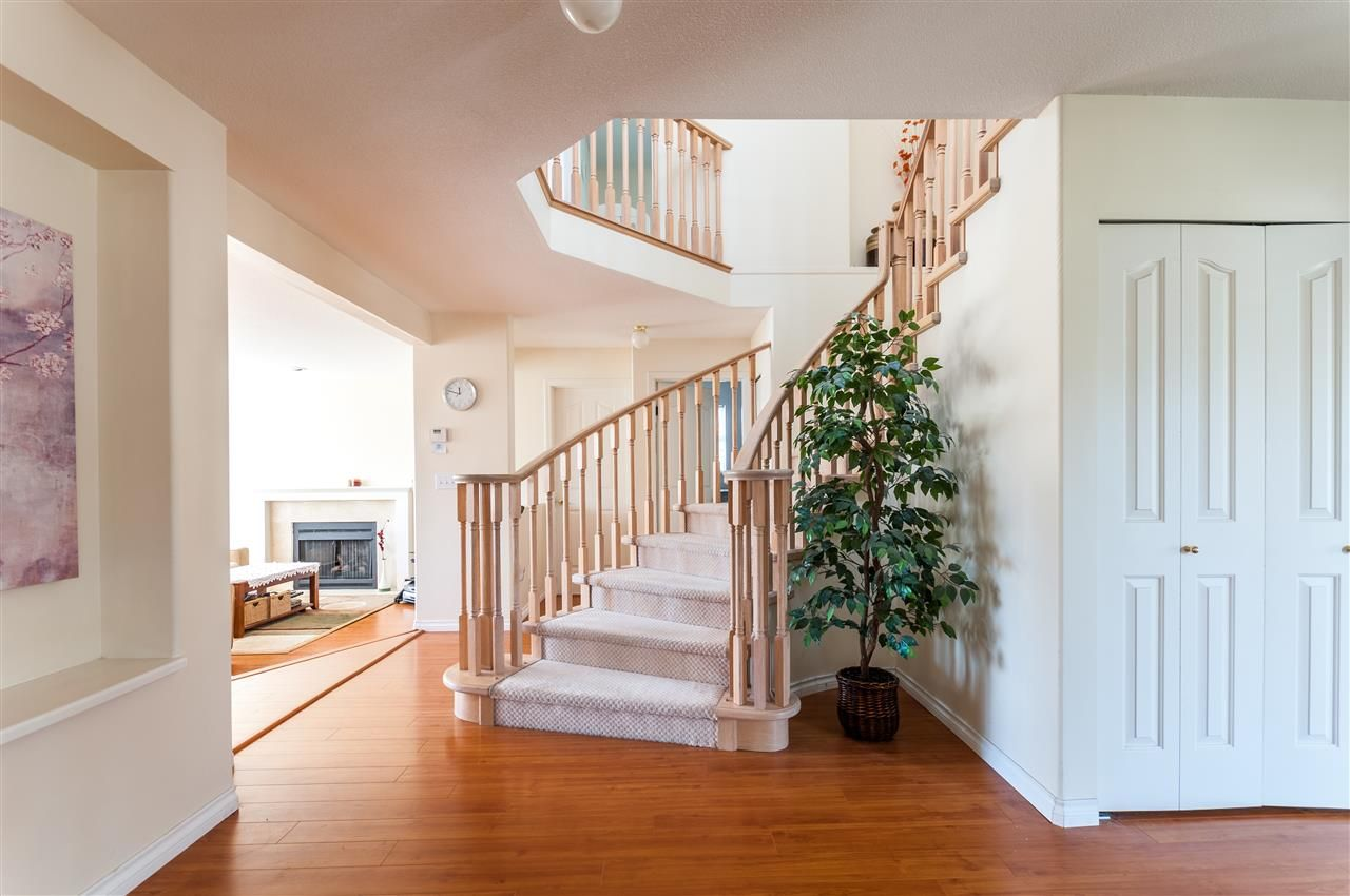 Main Photo: 2936- Meadowvista Place in Coquitlam: Westwood Plateau House for sale : MLS®# R2259440