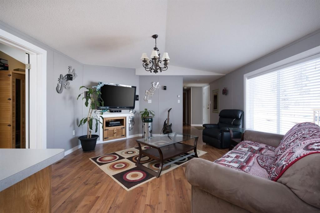 Photo 5: Photos: 118 Woodward Crescent: Anzac Detached for sale : MLS®# A1062544
