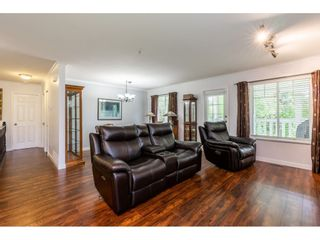 """Photo 8: 12 20761 TELEGRAPH Trail in Langley: Walnut Grove Townhouse for sale in """"Woodbridge"""" : MLS®# R2456523"""