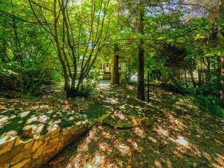 """Photo 10: 4777 PILOT HOUSE Road in West Vancouver: Olde Caulfeild House for sale in """"Tiddly Cove"""" : MLS®# R2497367"""