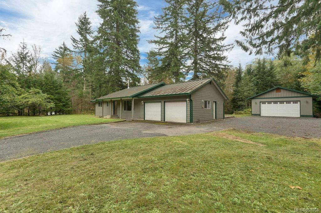 Main Photo: 4195 York Rd in : CR Campbell River South House for sale (Campbell River)  : MLS®# 858304