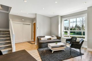 Photo 2: 7884 Lochside Dr in : CS Turgoose Row/Townhouse for sale (Central Saanich)  : MLS®# 870947