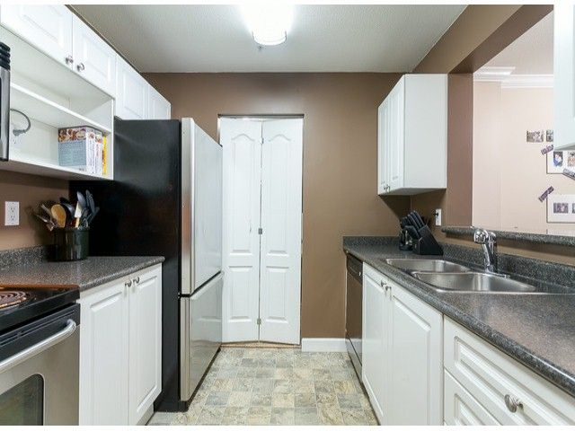 Photo 14: Photos: 414 5765 GLOVER Road in Langley: Langley City Condo for sale : MLS®# F1402300