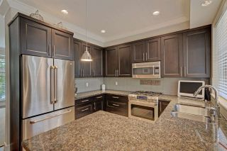 """Photo 7: 3 3025 BAIRD Road in North Vancouver: Lynn Valley Townhouse for sale in """"Vicinity"""" : MLS®# R2315112"""