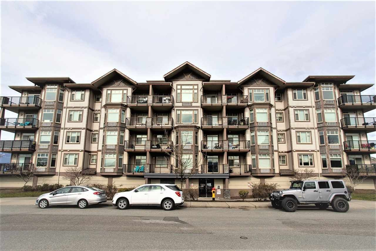 """Main Photo: 304 46021 SECOND Avenue in Chilliwack: Chilliwack E Young-Yale Condo for sale in """"Charleston"""" : MLS®# R2590503"""