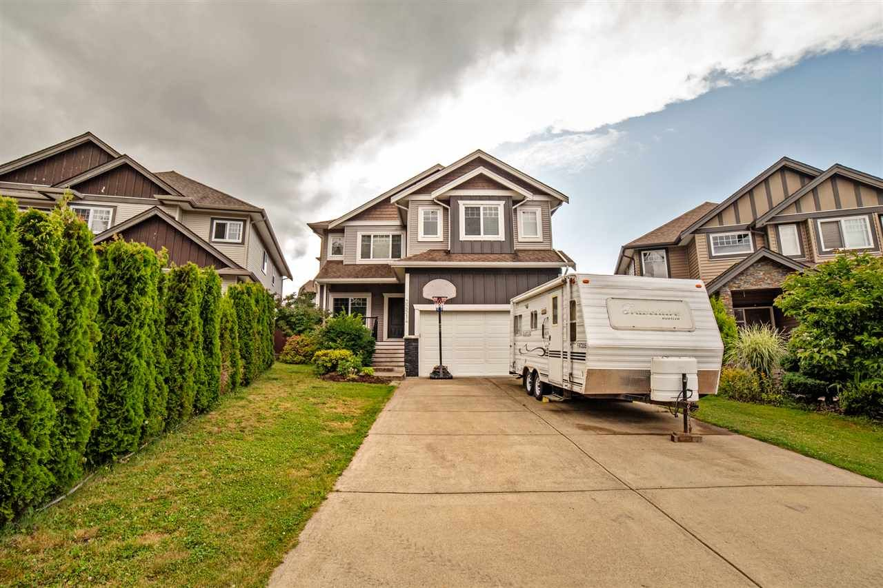 Main Photo: 32514 ABERCROMBIE Place in Mission: Mission BC House for sale : MLS®# R2388870