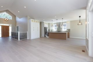 Photo 6: 2136 Champions Way in : La Bear Mountain House for sale (Langford)  : MLS®# 863691