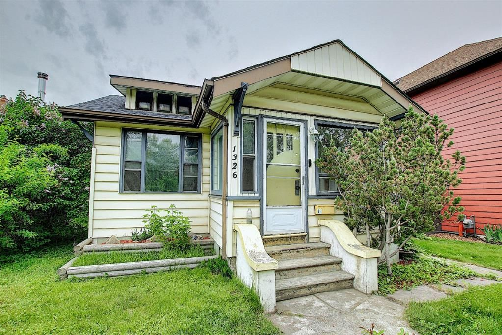 Main Photo: 1326 10 Avenue SE in Calgary: Inglewood Detached for sale : MLS®# A1118025