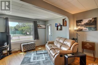 Photo 5: 536 8th ST E in Prince Albert: House for sale : MLS®# SK860377
