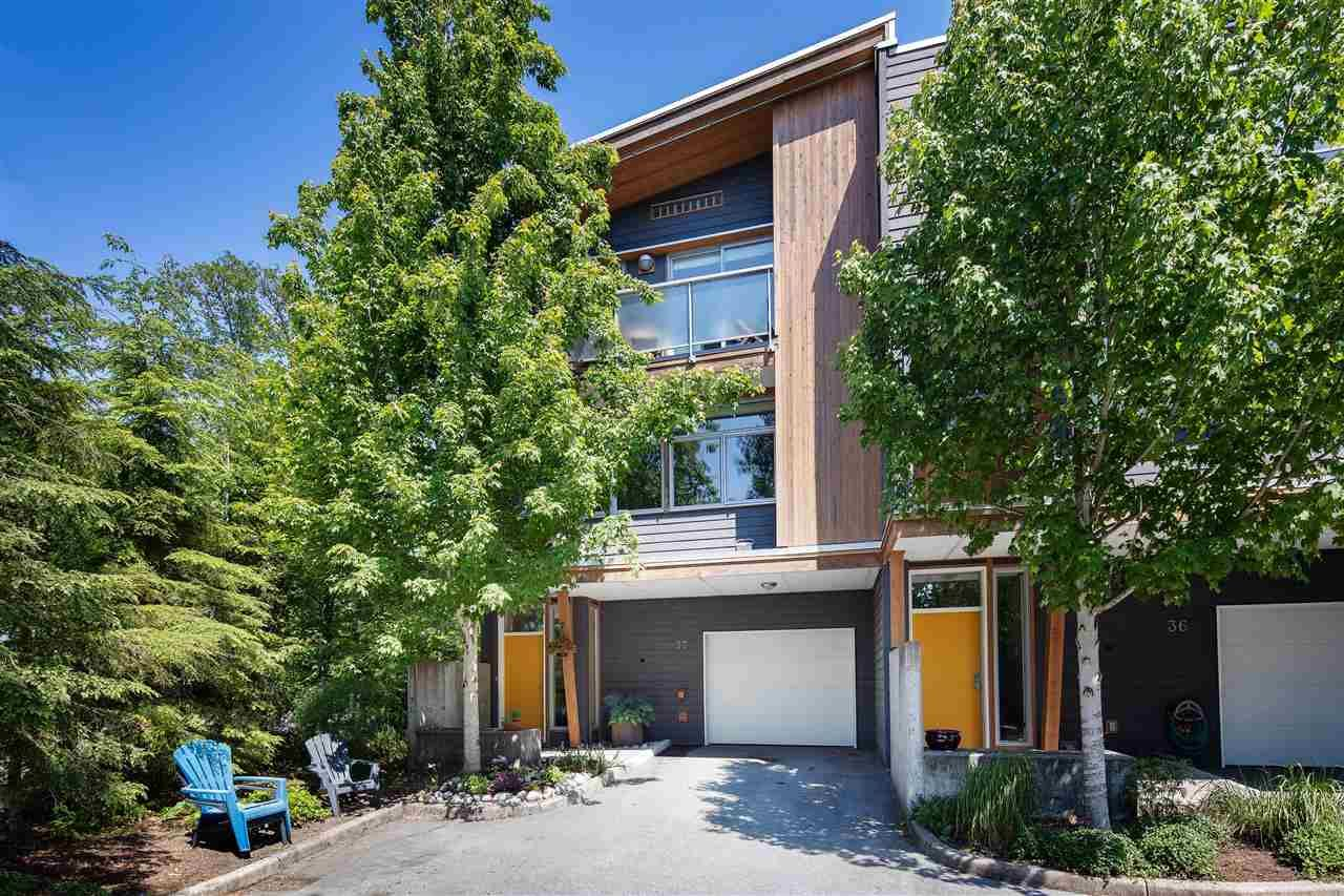 Main Photo: 37 39893 GOVERNMENT ROAD in Squamish: Northyards Townhouse for sale : MLS®# R2407142