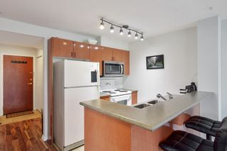 """Photo 7: 710 2733 CHANDLERY Place in Vancouver: South Marine Condo for sale in """"River Dance"""" (Vancouver East)  : MLS®# R2553020"""
