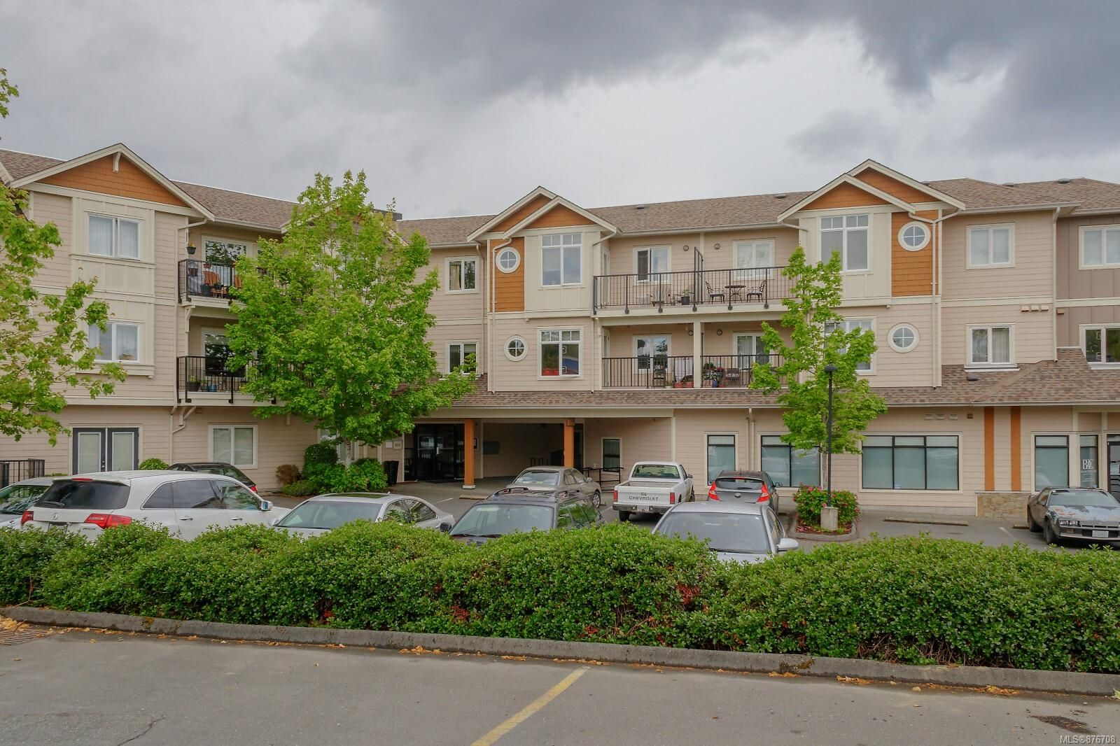 Main Photo: 303 7088 West Saanich Rd in : CS Brentwood Bay Condo for sale (Central Saanich)  : MLS®# 876708
