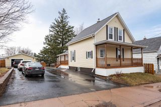Photo 2: 186 Young Street in Truro: 104-Truro/Bible Hill/Brookfield Residential for sale (Northern Region)  : MLS®# 202107349
