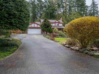 Main Photo: 7098 DALE Road in Sechelt: Sechelt District House for sale (Sunshine Coast)  : MLS®# R2251269