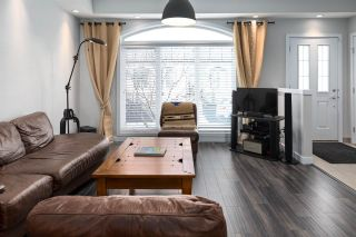 Photo 6: 17 5873 MULLEN Place in Edmonton: Zone 14 Townhouse for sale : MLS®# E4236370