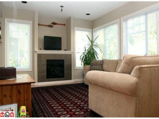 """Photo 2: 20 6110 138TH Street in Surrey: Sullivan Station Townhouse for sale in """"Seneca Woods"""" : MLS®# F1019158"""