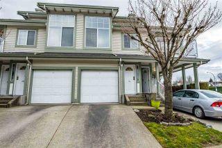 "Photo 1: 14 8892 208 Street in Langley: Walnut Grove Townhouse for sale in ""Hunters Run"" : MLS®# R2448427"