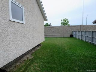 Photo 3: 74 Forest Cove Drive in Winnipeg: Meadows West Single Family Detached for sale (4L)  : MLS®# 1716243