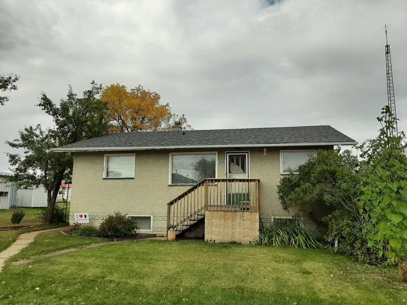 FEATURED LISTING:  Clyde