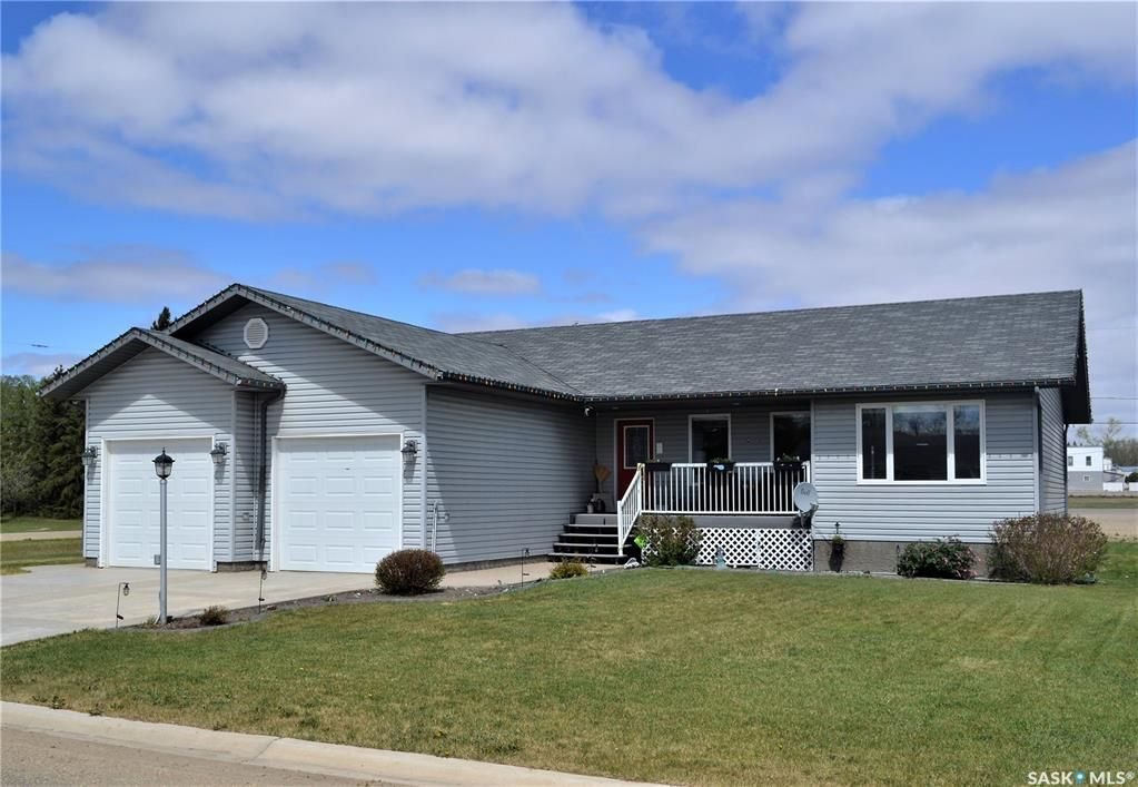 Main Photo: 602 1st Avenue South in Bruno: Residential for sale : MLS®# SK856112