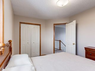 Photo 18: 304 RIVERVIEW Close SE in Calgary: Riverbend Detached for sale : MLS®# C4242495