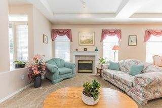 """Photo 3: 59 20770 97B Avenue in Langley: Walnut Grove Townhouse for sale in """"MUNDAY CREEK"""" : MLS®# R2271523"""