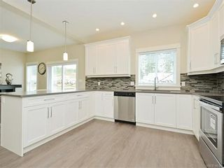 Photo 10: 2386 Lund Rd in VICTORIA: VR Six Mile House for sale (View Royal)  : MLS®# 746517