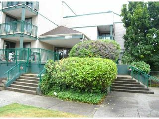 """Photo 2: 208 20454 53RD Avenue in Langley: Langley City Condo for sale in """"RIVERS EDGE"""" : MLS®# F1427016"""
