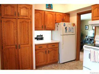 Photo 7: 842 Parkhill Street in Winnipeg: Residential for sale : MLS®# 1611596
