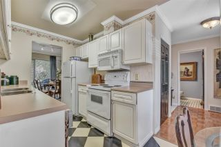 """Photo 7: 2 10074 154 Street in Surrey: Guildford Townhouse for sale in """"woodland grove"""" (North Surrey)  : MLS®# R2556855"""