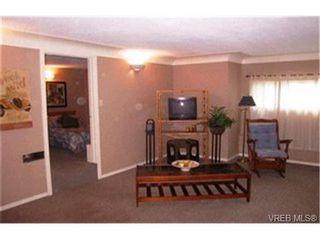 Photo 9:  in VICTORIA: SE Quadra House for sale (Saanich East)  : MLS®# 400536