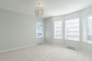 """Photo 10: 74 8138 204 Street in Langley: Willoughby Heights Townhouse for sale in """"Ashbury + Oak"""" : MLS®# R2437286"""