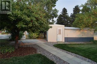 Photo 4: 942 Willow Street in Pincher Creek: House for sale : MLS®# A1143402