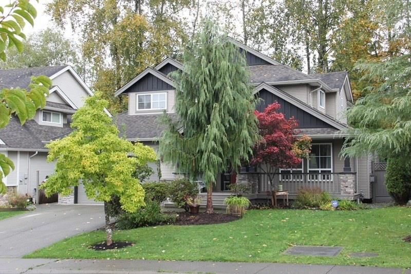 """Main Photo: 4926 217B Street in Langley: Murrayville House for sale in """"Creekside"""" : MLS®# R2118353"""